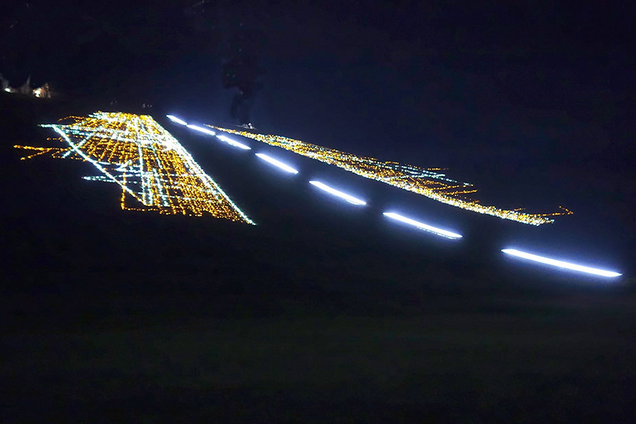 Ray bartkus landing strip 2013 led lights hill pond 200 x 200 harmony park lithuania mozeypictures Image collections